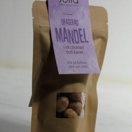 Mandel med vitchoklad och kanel